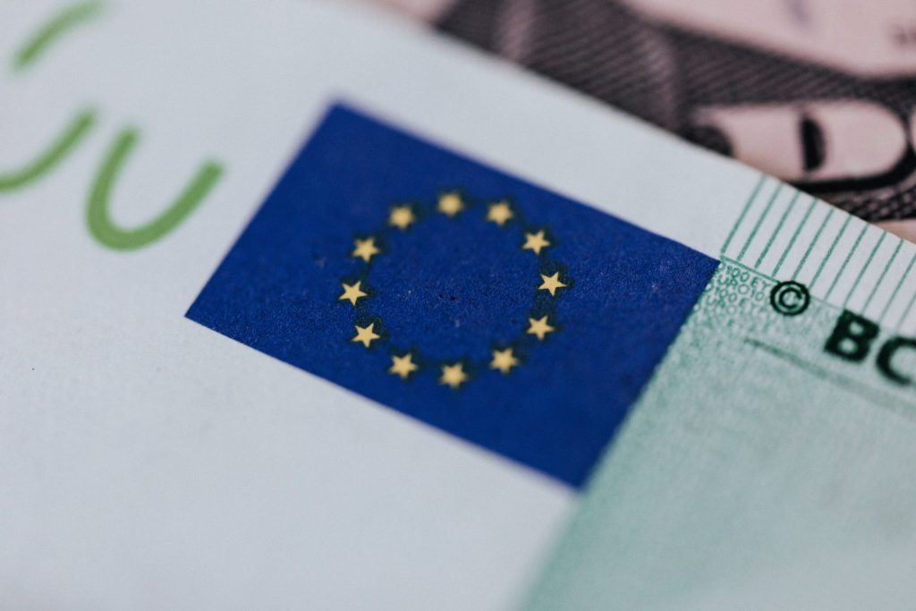 The Digital Euro Landscape: An overview of ongoing initiatives in Europe and beyond